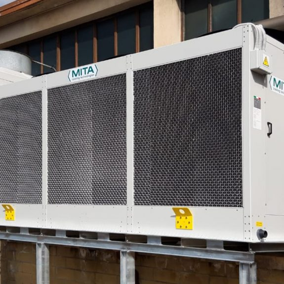 PAD-V Adiabatic Cooler Condenser for a Plastic Processing Line in Italy